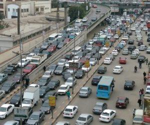 اعرف طريقك.. كثافات مرورية بمحاور القاهرة والجيزة