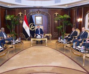 وزير الداخلية يستقبل الأمين العام لوزراء الداخلية العرب