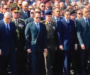السيسي يصل مسجد المشير للمشاركة في جنازة الرئيس الأسبق حسني مبارك