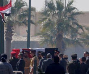 حزنا علي وفاة مبارك ... مدرس ينتحر بإلقاء نفسه من الطابق الخامس في الشرقية