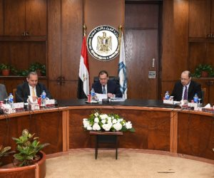 البترول تبرم اتفاقات مع 3 شركات عالمية للتعاون باستثمارات 15.2 مليار دولار
