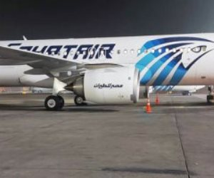 مطار القاهرة يستقبل رحلة استثنائية تقل 305 من المصريين العالقين بالإمارات