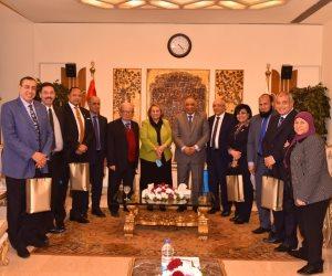 رئيس الرقابة الإدارية يلتقي أعضاء لجنة الخطة والموازنة بمجلس النواب (صور)