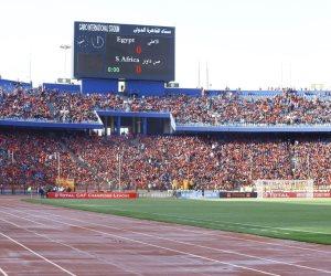 احتشاد جماهير الأهلى فى استاد القاهرة لدعم فريقها أمام صن داونز