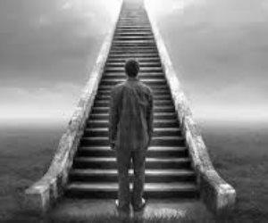 العقلية الأخروية.. لماذا نحاكم الناس بمعايير الآخرة ونتجاهل ما قدموه فى الدنيا؟