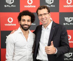 «فودافون» تجدد الشراكة مع محمد صلاح