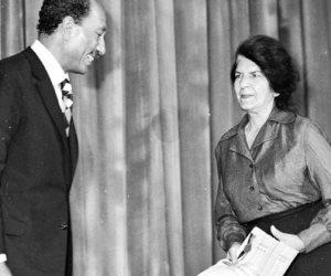 في ذكرى وفاتها.. حكاية صورة جمعت بين السادات وأشهر عانس في تاريخ السينما المصرية زينات صدقي
