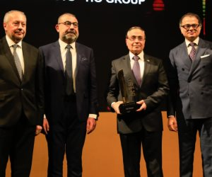 """""""المتحدة للصيادلة"""" تحصل على جائزة أفضل أداء اقتصادي في تطوير قطاع  الأدوية باحتفالية """"bT100"""""""