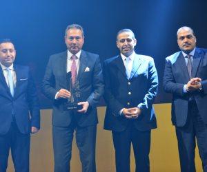 """الإتربى يتسلّم جائزة الشخصية الأكثر تأثيرا فى الاقتصاد المصرى خلال احتفالية """"BT 100"""""""