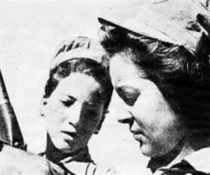 عندما حاربت الورود.. زينب الكفراوي أول من انضمت إلى صفوف الفدائيين ببورسعيد