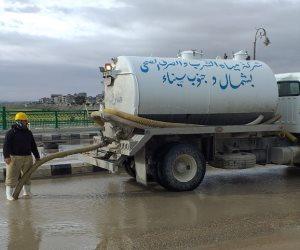 محافظ شمال سيناء يتابع عمليات تصريف مياه الأمطار  من شوارع العريش (صور)