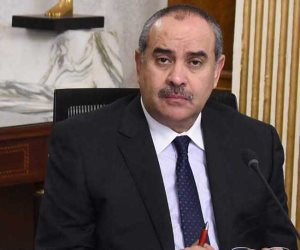 وزير الطيران يعلن ضوابط تشغيل الأنشطة فى المطارات.. وعودة الطيران أول يوليو