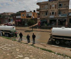 سحب 100 متر مكعب من مياه الأمطار بشوارع مدينة بئر العبد.. وحركة السير تعود لطبيعتها (صور)