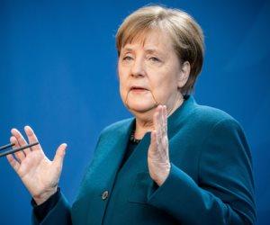جولة مكوكية حول العالم.. المستشارة الألمانية في الحجر.. وكوبا تساعد إيطاليا في منحتها