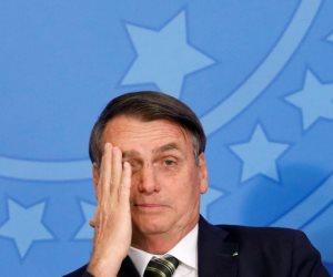 تويتر يحذف تغريداته و فيسبوك يكذبه.. أزمات جديدة تواجه رئيس البرازيل