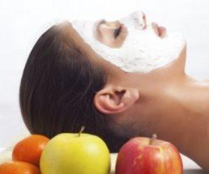 وصفات التفاح للبشرة.. للترطيب وعلاج حب الشباب والبثور