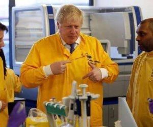"""لا تفعل مثل جونسون"""".. الاختلاط وراء التقاط رئيس الوزراء البريطاني عدوى كورونا"""