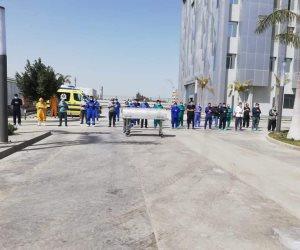 أطباء مستشفى العزل بالإسماعيلية يصلون صلاة الجنازة على الدكتور أحمد اللواح (صور)