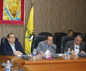 لمدة 3 أشهر ..محافظ شمال سيناء يتبرع بـ 20٪ من راتبه للعمالة وصندوق تحيا مصر (صور)