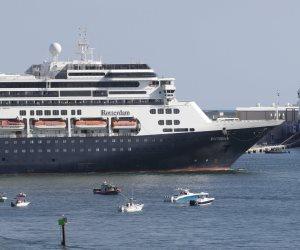 الموت المجهول.. قصة رحلة 6 آلاف راكب في عرض البحر سقطوا أسرى لفيروس كورونا