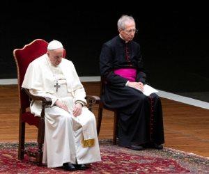 جولة في صحف العالم: الكاتدرائية خالية للمرة الأولى في الجمعة العظيمة