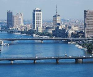 أخبار الطقس اليوم الجمعة.. مائل للحرارة وأمطار خفيفة على الوجه البحري والعظمى بالقاهرة 33 درجة