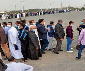 العائدون من الكويت يشيدون بتجهيزات الإقامة بجامعة القاهرة