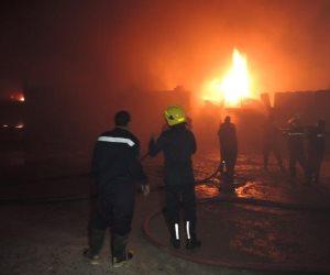 الحماية المدنية تدفع ب22سيارة إطفاء للسيطرة على حريق مصنع الأسفنج بالعبور والقوات تحاصر النيران (صور)
