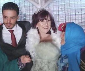 عجوز بريطانية تتزوج من شاب تونسي بالصدفة.. اعرف التفاصيل