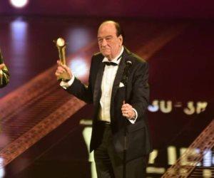 وداعاً حسن حسني.. حكاية آخر رسالة للفنان الكبير بعد فوزه بجائزة فاتن حمامة