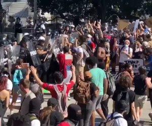التظاهرات الإلكترونية مقترح جديد في الغرب.. هل تحد من صدام المحتجين و الشرطة؟