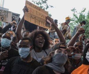 ما يحدث في فرنسا.. مظاهرات واشتباكات بسبب ذكر قديمة (فيديو)