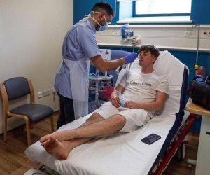 80% لم تظهر عليهم أعراض.. تصريح صادم من وزير الصحة البريطاني بشأن مصابي كورونا