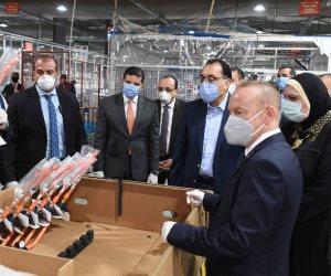 «مدبولي» يكشف في جولة تفقدية بمصانع 6 أكتوبر: تكليف من الرئيس بالاجتماعات المستمرة مع رجال الصناعة