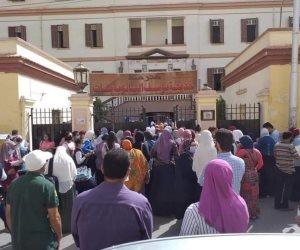 الأمن يفرق تجمعات أولياء أمور طلبة الثانوية العامة أمام عدد من المدارس