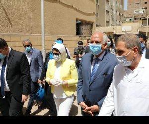 محافظ الجيزة ووزيرة الصحة يتفقدان العيادات الخارجية بمستشفى أم المصريين