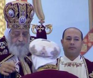 بالإجراءت الاحترازية.. البابا تواضروس يُصلى قداس أحد الزعف بكنيسة بشاير الخير بالإسكندرية
