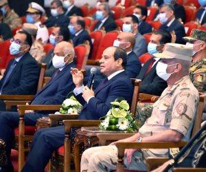 الرئيس السيسى: أى مخالفة مرورية هنحاسبك عليها فورا.. ومش هنأجل لآخر السنة
