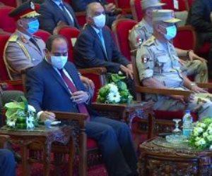 السيسي: عاوزين تريليونات كتير أوى عشان نحل كل حاجة.. متحركين وناجحين بأمر الله