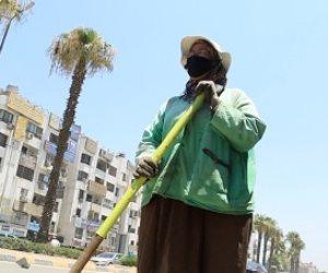 يوم حلو ويوم مر.. حكاية زينب عاملة النظافة التي تعول 5 أبناء وزوجها مريض