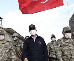 أردوغان الكاذب .. صور لوزير دفاعه وجنرالاته في ليبيا تفضح تدخله في الشأن الليبي