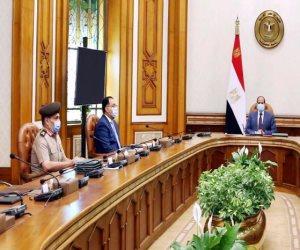 السيسى يطلع على خطط وجهود سلاح الإشارة لتأمين العمق الغربي لمصر