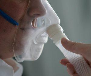 كيف يحدث نقص الأكسجين الصامت دون أن يشعر بعض المرضى المصابين بكورونا؟