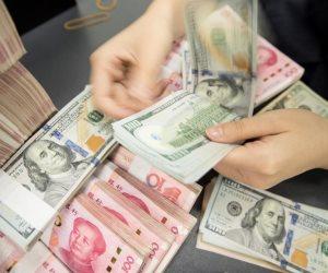 تأجيج الحرب بين أمريكيا والصين.. اليوان يرتفع أمام الدولار