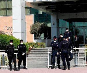 """تخفيض رواتبهم بنسبة 30%.. الأزمة المالية تطول مغاربة عاملين بـ""""الداخلية القطرية"""""""
