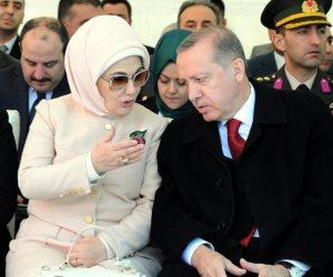 أسرة أردوغان هايصة وشعبه لايص.. الاقتصاد التركي دخل مرحلة الديون