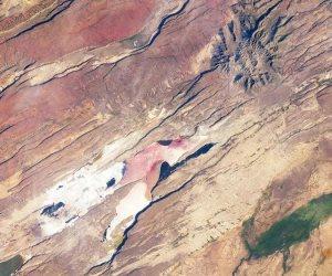 ظاهرة جيولوجية تهدد بانشطار إفريقيا إلى جزأين.. هل ترى القارة السمراء مولد محيط جديد؟
