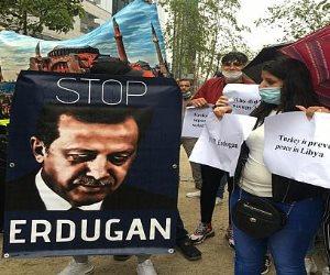 وقفة احتجاجية أمام مبنى المجلس الأوروبى للتنديد بالعدوان التركى على ليبيا (صور)