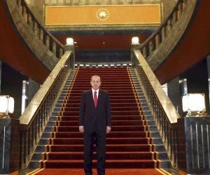 """""""لا عدالة ولا تنمية"""".. بذخ أهل أردوغان وعشيرته يفجر غضبا في الشارع التركي"""