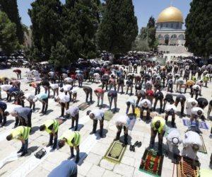 وسط 10 آلاف مصل.. المسجد الأقصى يستقبل صلاة الجمعة بالكمامات والمطهرات (صور)